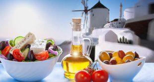 7 Greek Food Bloggers To Follow