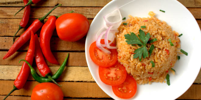 Dish of jollof rice, one of the most popular Ghanaian snacks.