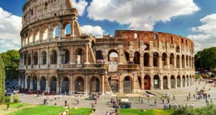 Scenic view of the Colosseum ruins in summer, an unmissable stop when spending 72 hours in Rome.