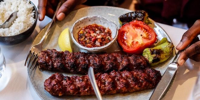 Food in Abu Dhabi: Restaurants to Eat Traditional Emirati Food