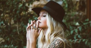 3 Travel-friendly hats for fashionable women