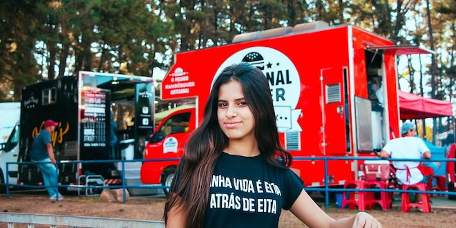 4 Marketing Strategies to Promote Your Food Truck Trailer