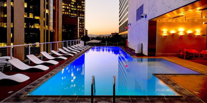 Which Amenities Are Offered by Luxury Hotels in Jakarta?