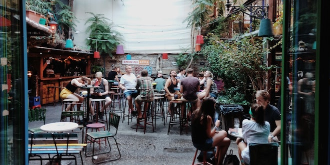 4 Unique pubs and bars for Outdoor Drinking in the UK